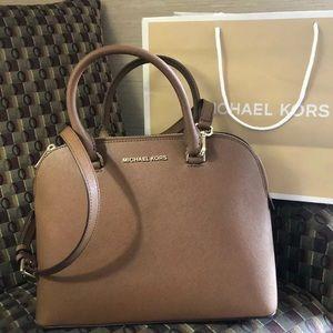 $298 Michael Kors Cindy Handbag MK Purse Bag